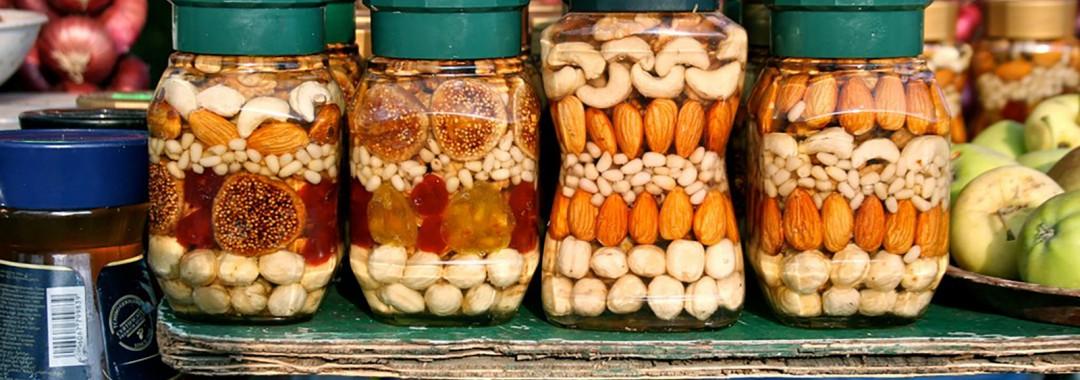 Eingeweckte Nüsse und Früchte © Jürg Vollmer - flickr.com (used under CC BY-SA 2.0 – Unmodified)